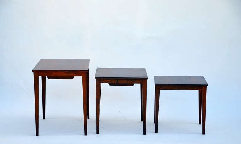 Set of Chic Danish Rosewood Nesting Tables In Good Condition For Sale In Los Angeles, CA