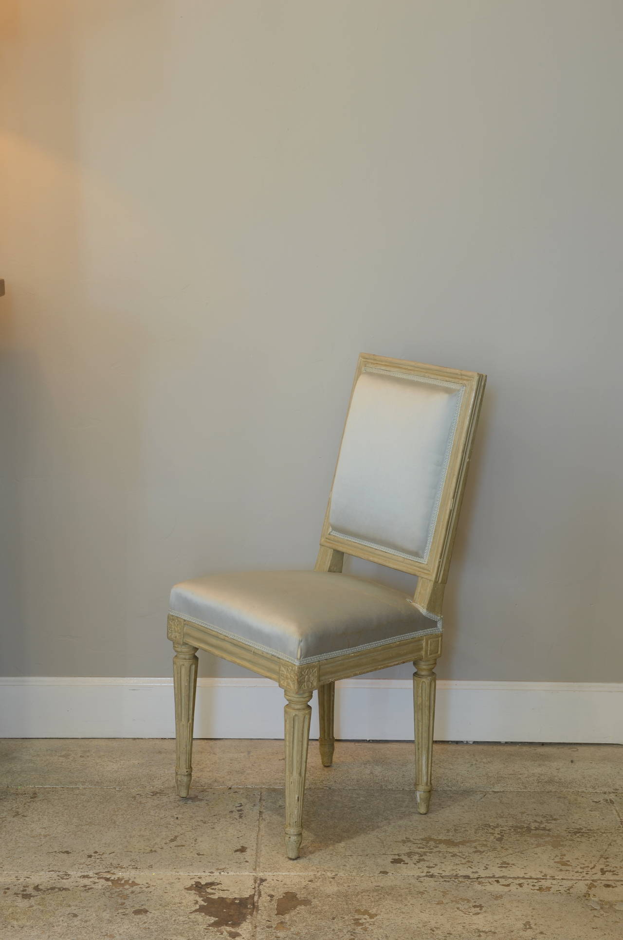 Hand-Carved Pair of Louis XVI Style Side Chairs by Armand-Albert Rateau For Sale