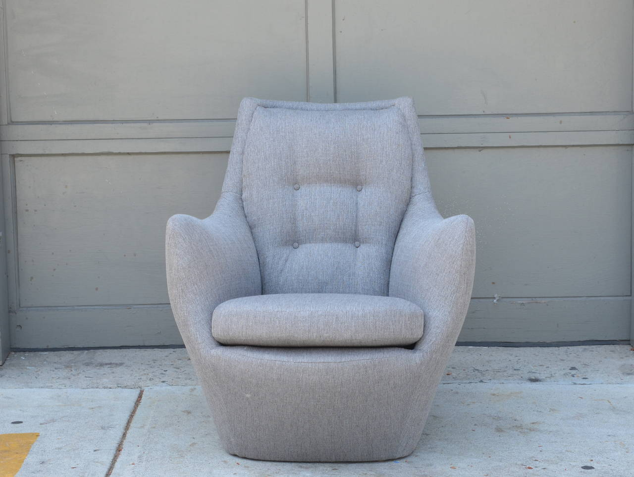 Comfortable Barrel Chair By Milo Baughman For Thayer