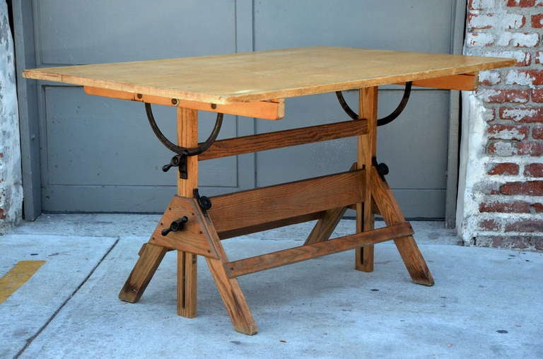 Beau Vintage Articulated Oak And Maple Drafting Table By Hamilton