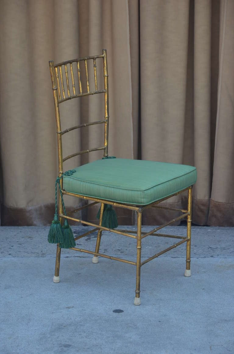 Elegant Chiavari side chair In Good Condition For Sale In Los Angeles, CA