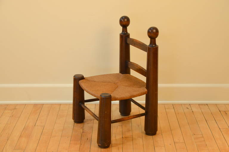 Mid-20th Century Single Turned Wood and Rush Children's Chair in the Style of Charlotte Perriand For Sale