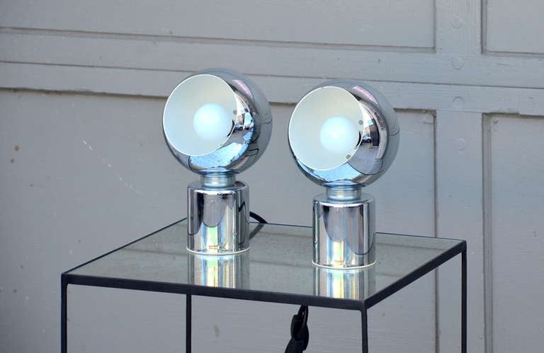 Italian Pair of Articulated Globe Spotlights by Reggiani Lampadari For Sale