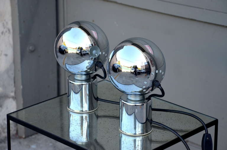 Pair of Articulated Globe Spotlights by Reggiani Lampadari For Sale 2