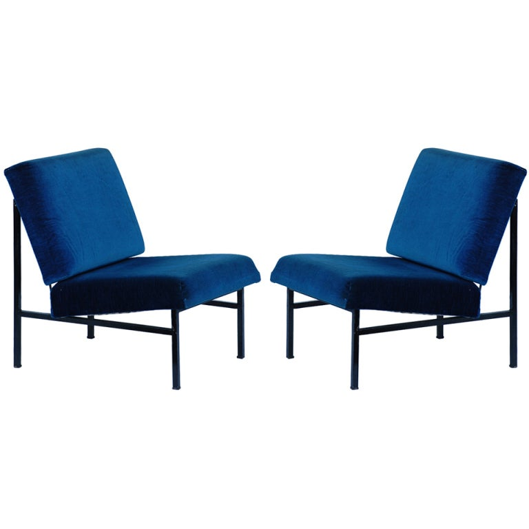 Pair of French 50's blue velvet lounge chairs For Sale
