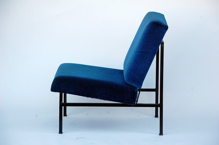 Mid-20th Century Pair of French 50's blue velvet lounge chairs For Sale