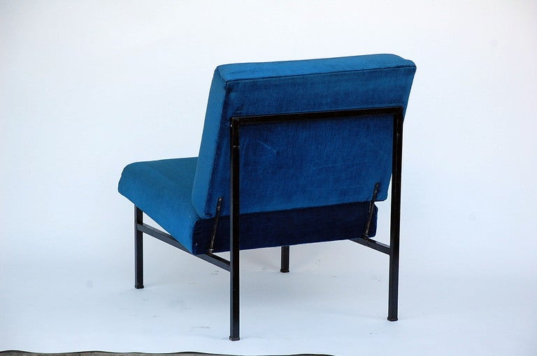 Pair of French 50's blue velvet lounge chairs For Sale 1