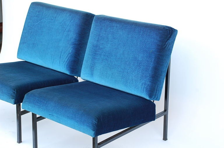 Pair of French 50's blue velvet lounge chairs For Sale 3