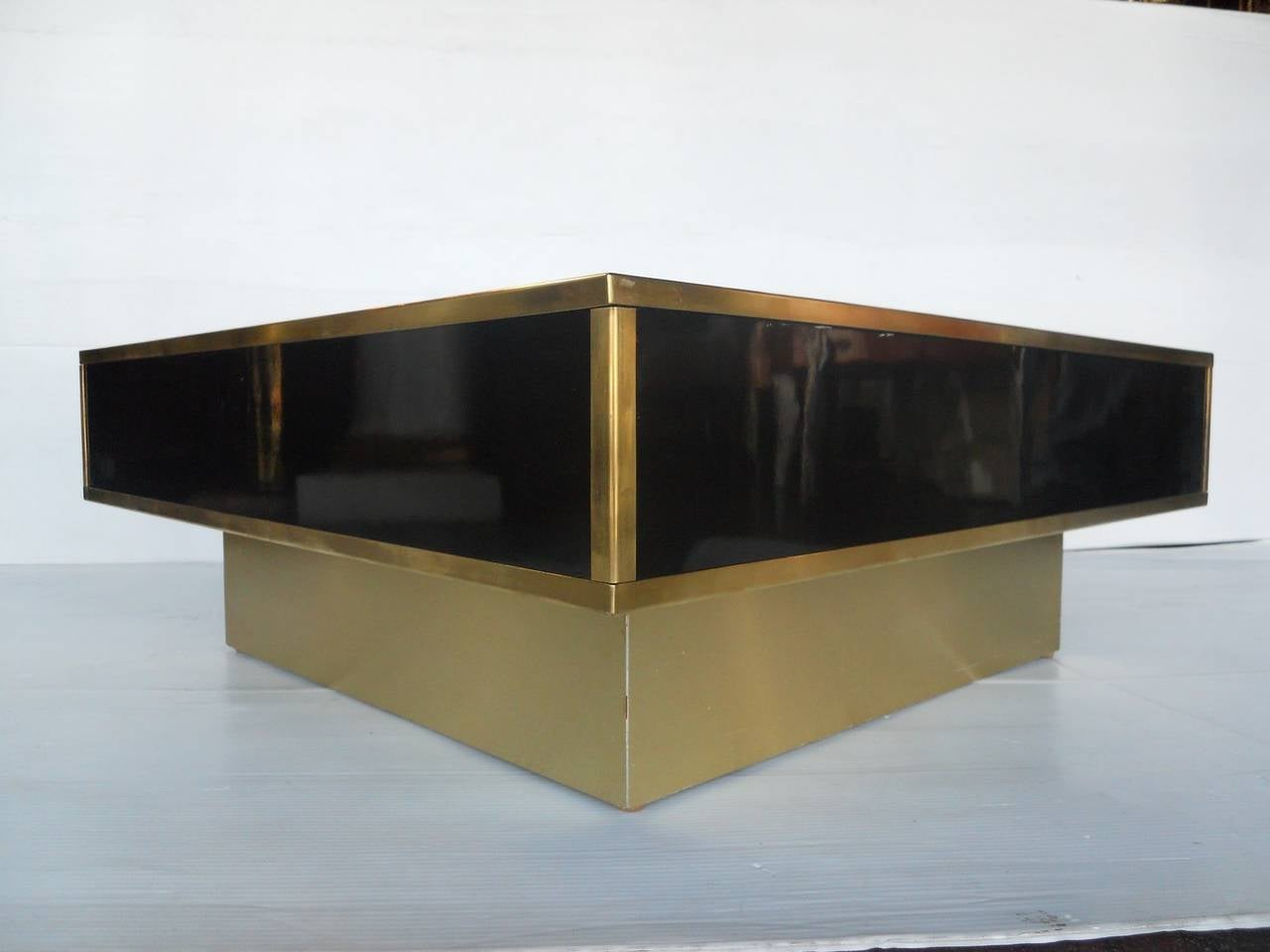 Sleek italian coffee table at 1stdibs Sleek coffee table