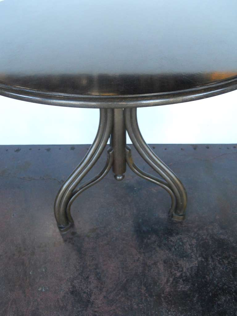 Graceful Set Of Thonet Table And Chairs For Sale At 1stdibs