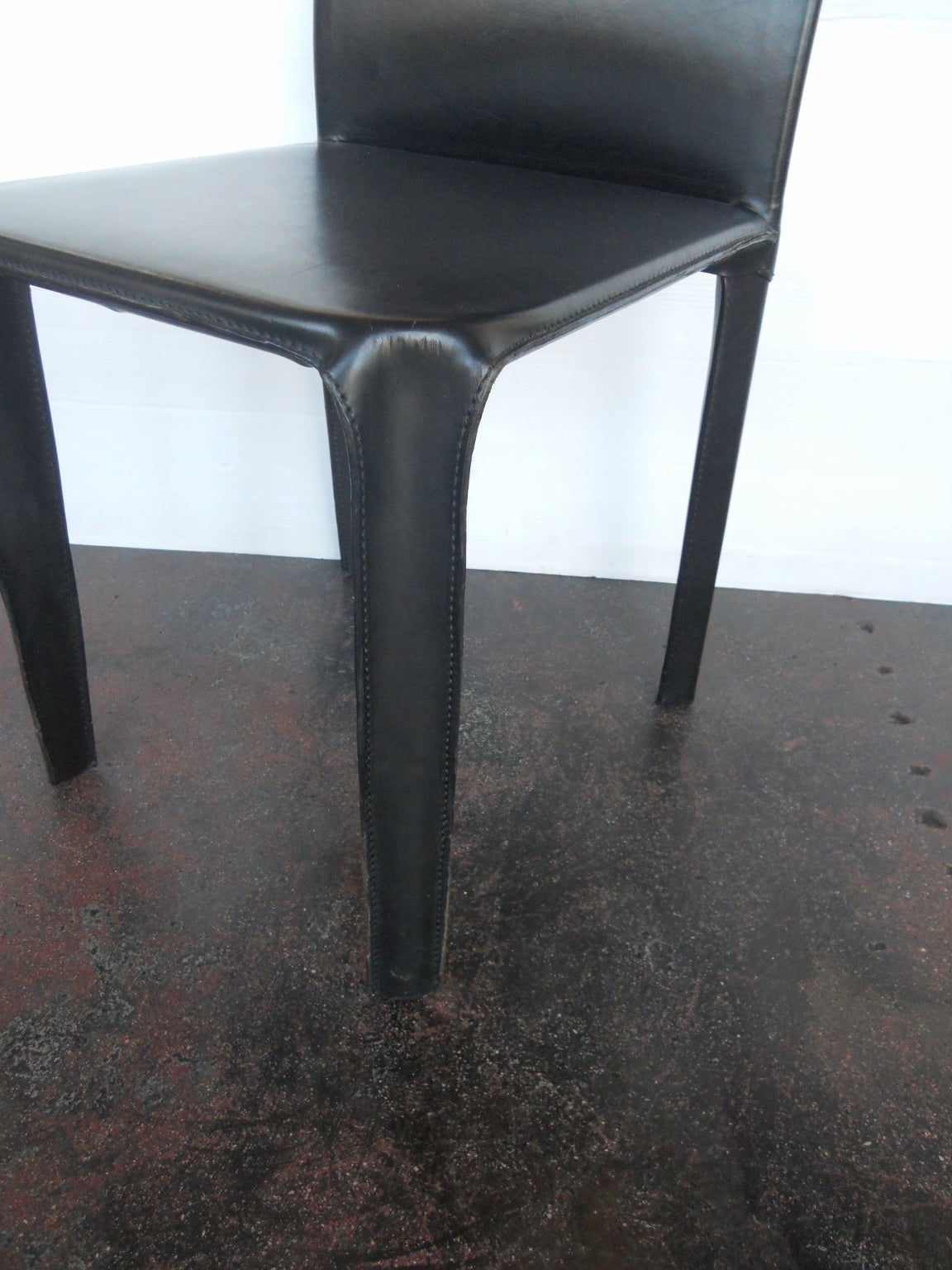 Mid-Century Modern Twelve Italian Black Leather Dining Chairs by Arper For Sale