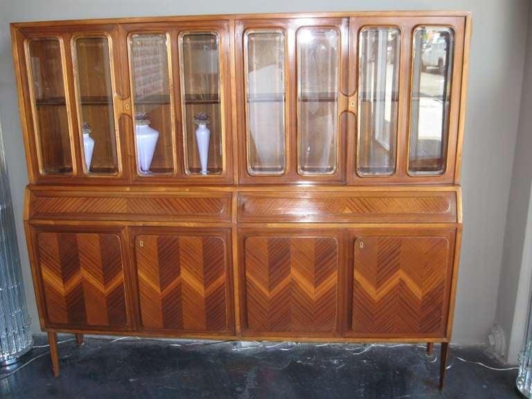 Wonderful Italian Vitrine Cabinet For Sale at 1stdibs