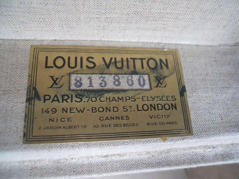 Great Set of 3 Louis Vitton Vintage Suitcases 4