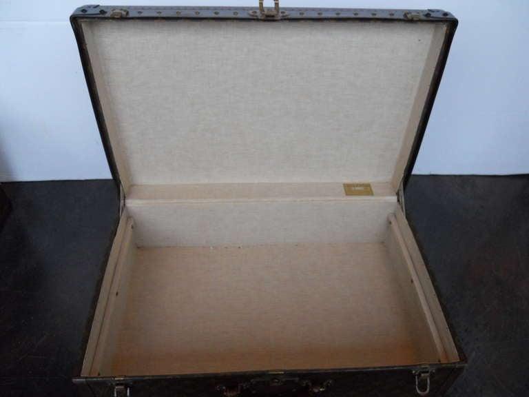 Great Set of 3 Louis Vitton Vintage Suitcases 8