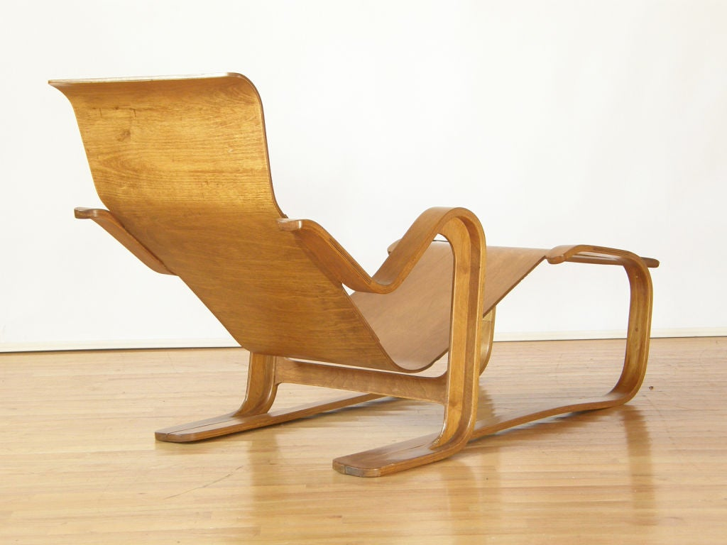 Marcel breuer plywood lounge at 1stdibs for Chaise wassily
