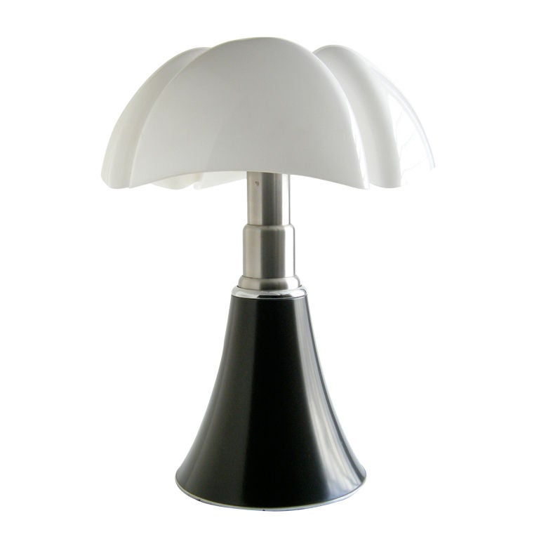 gae aulenti pipistrello lamp at 1stdibs. Black Bedroom Furniture Sets. Home Design Ideas