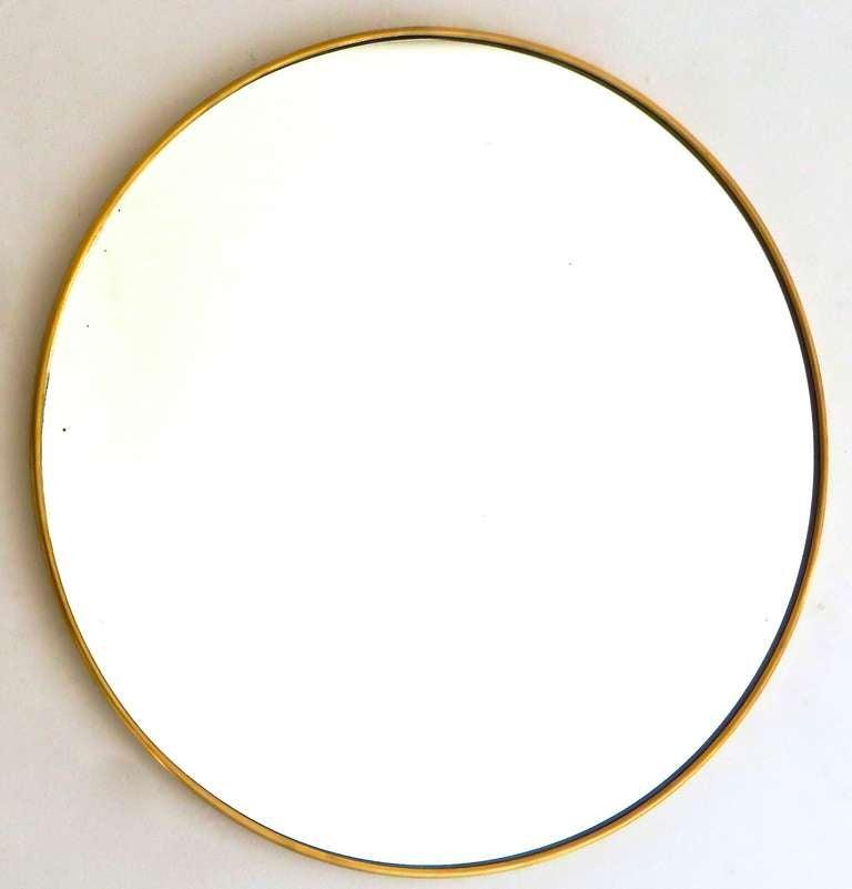 Italian Modern Minimalist Round Brass Framed Mirror For Sale 2