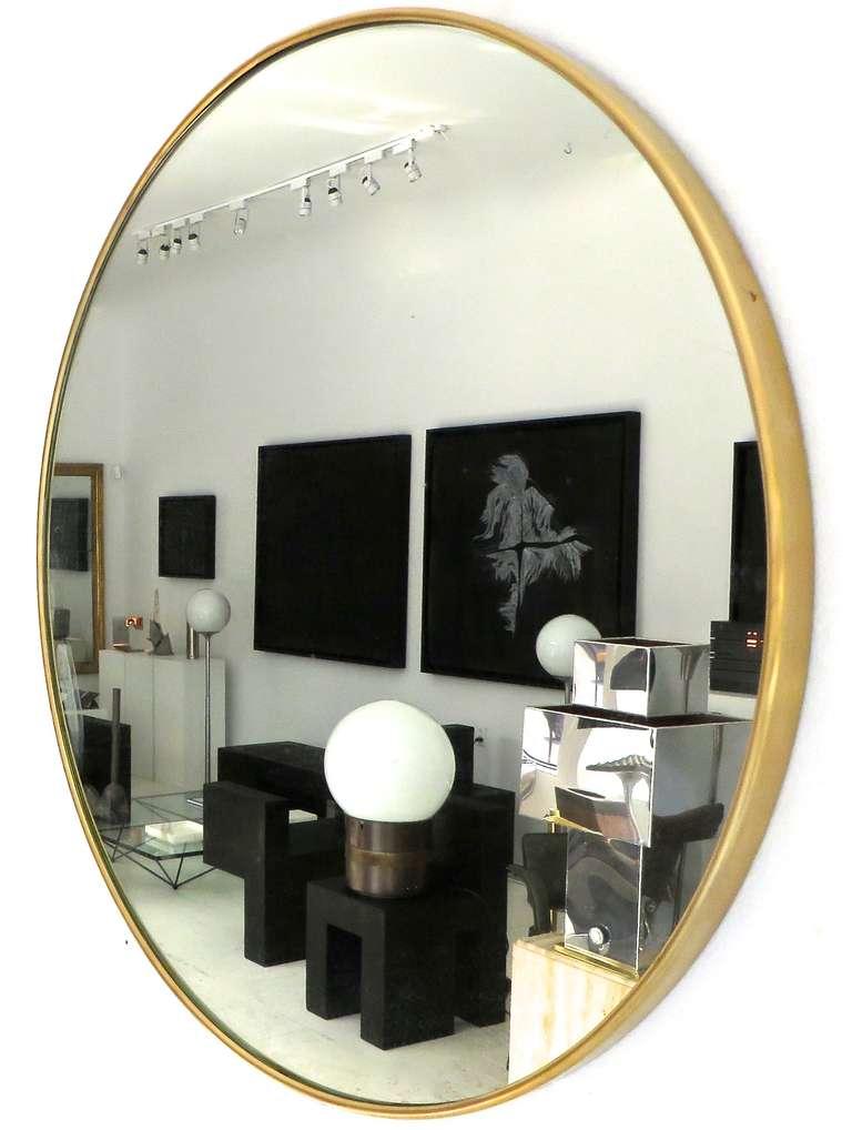 Italian Modern Minimalist Round Brass Framed Mirror at 1stdibs