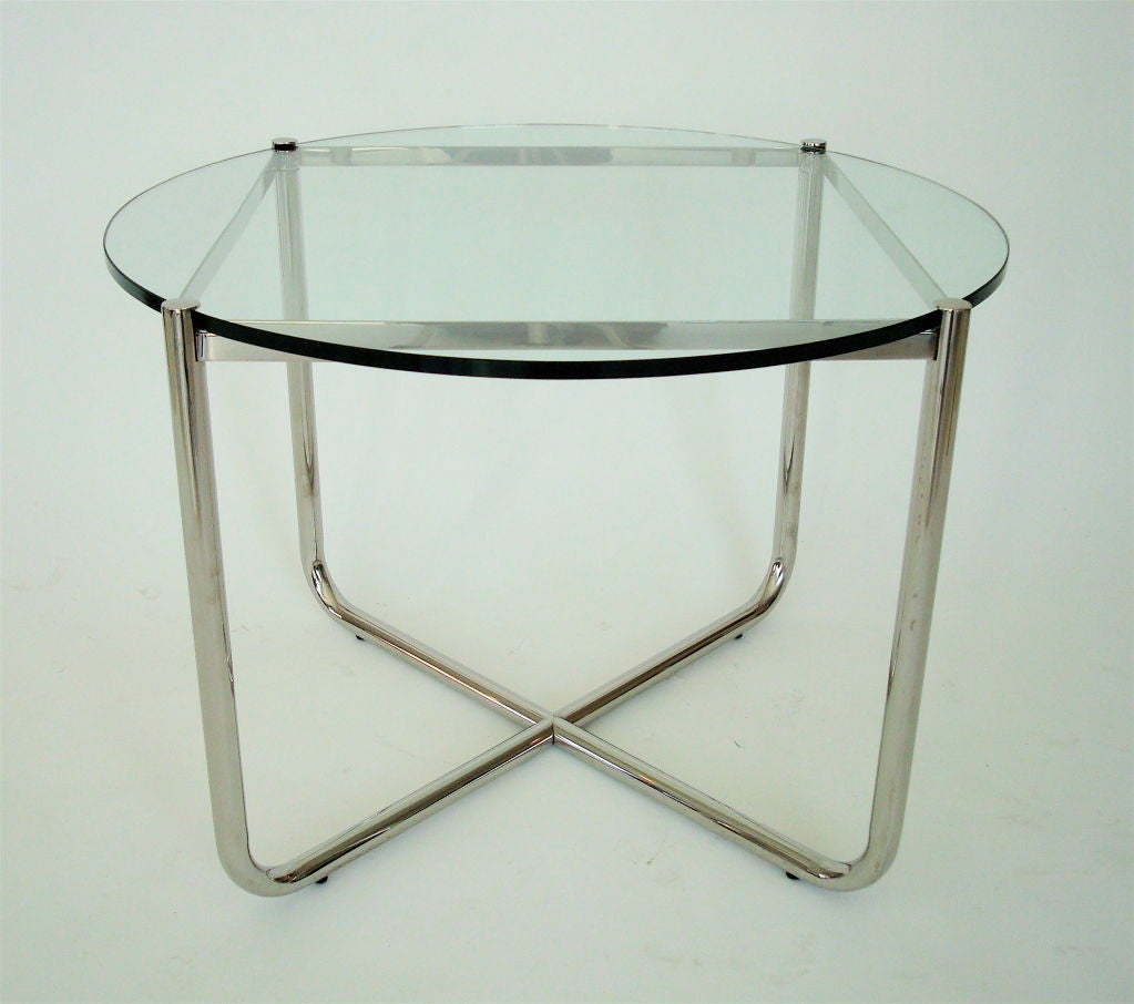 international style mr side table by mies van der rohe for. Black Bedroom Furniture Sets. Home Design Ideas