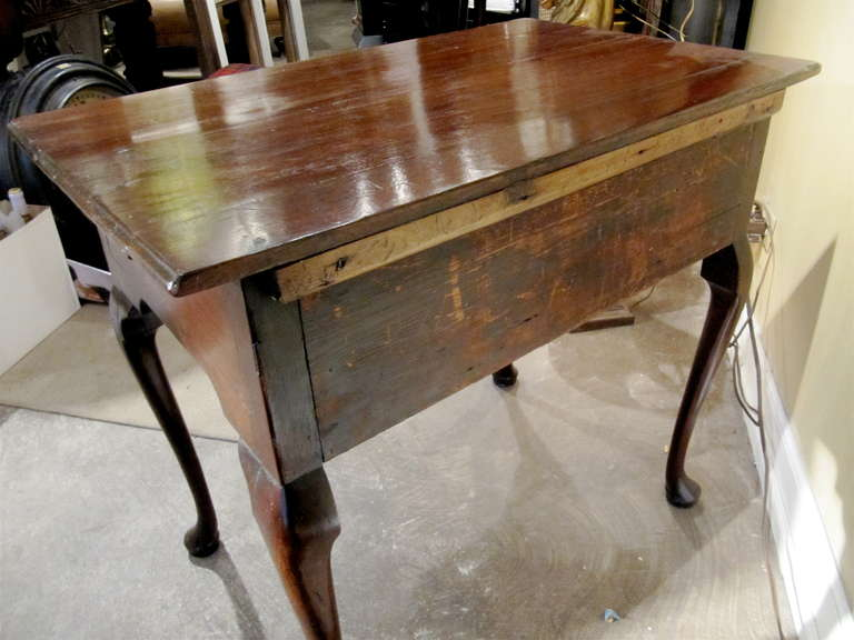18th Century English Oak Lowboy In Excellent Condition For Sale In Buchanan, MI