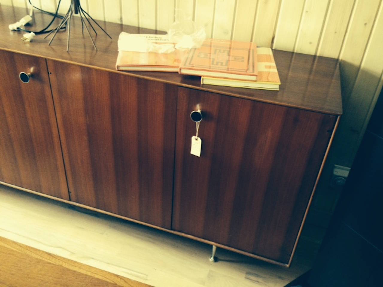 George Nelson Rosewood Server In Excellent Condition For Sale In Buchanan, MI