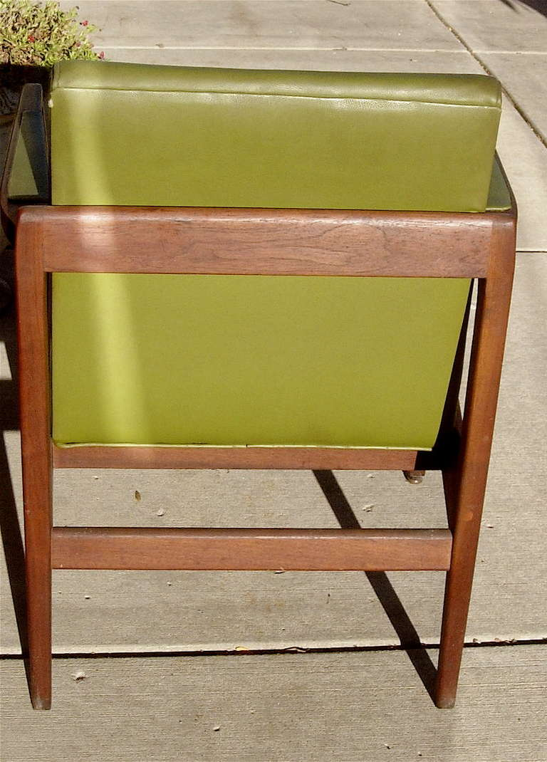 American Pair of Mid-Century Leather and Solid Mahogany Armchairs For Sale