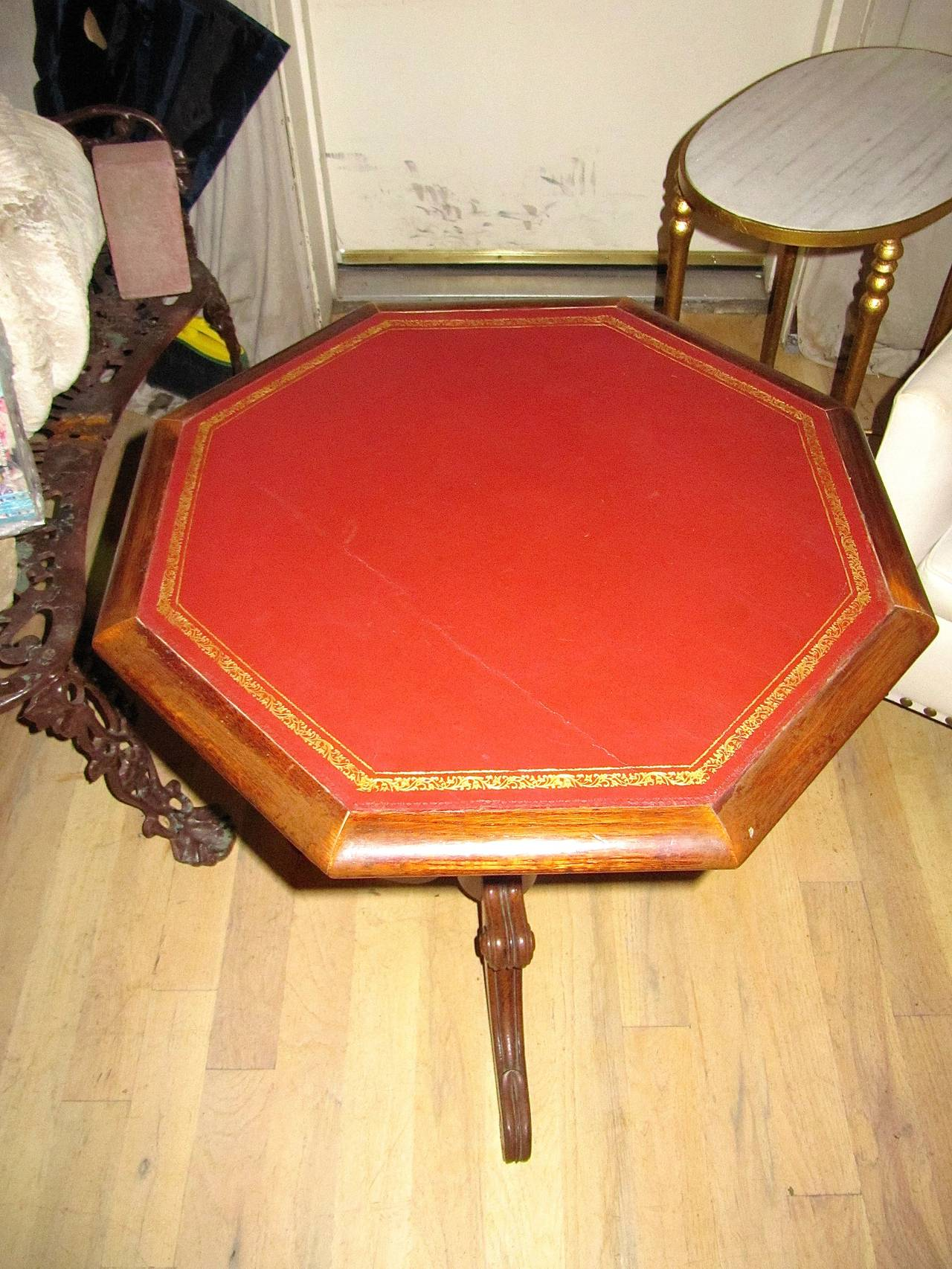 Regency Leather-Top Side Table with Gilt Tooling In Excellent Condition For Sale In Buchanan, MI