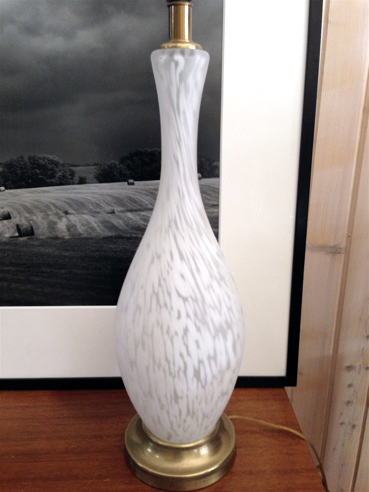 Single Midcentury White Murano Glass Lamp In Excellent Condition For Sale In Buchanan, MI