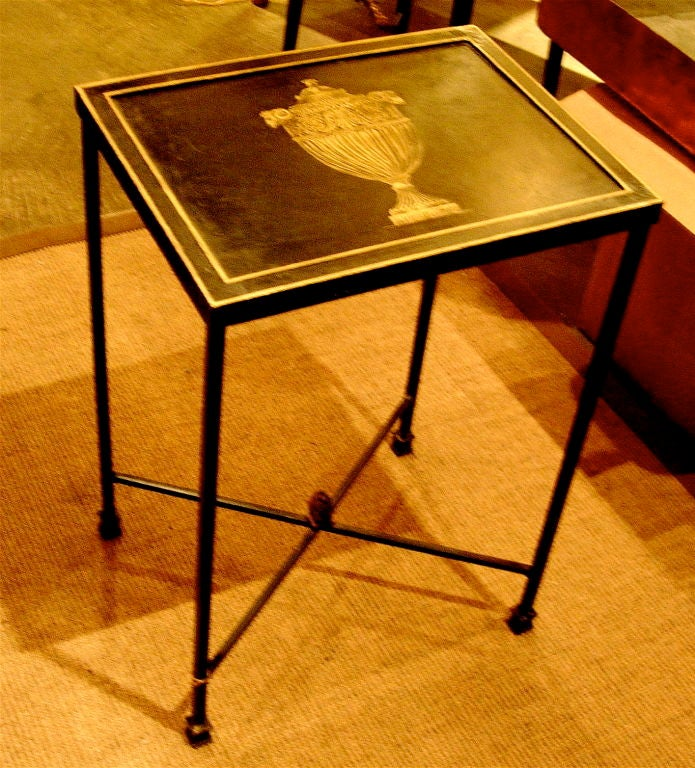 CHARMING ENGLISH STYLE NEOCLASSICAL TOLE TABLE WITH GILT DECORATION