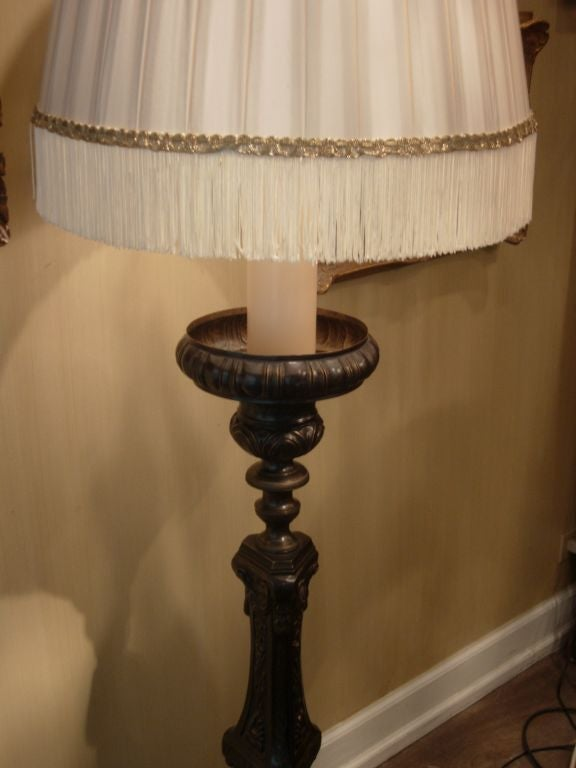 Monumental Pair of 19th Century French Bronze Floor Lamps For Sale 1
