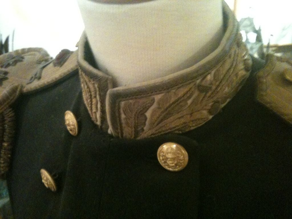 British Royal Officers Uniform In Excellent Condition For Sale In Buchanan, MI