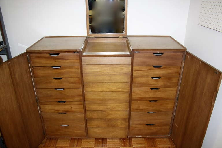 Edward Wormley for Dunbar Gentleman's Chest For Sale 2