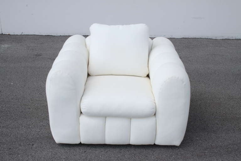 Channeled Jay Spectre White Club Chairs for Century Furniture, circa 1970s, Pair For Sale 2