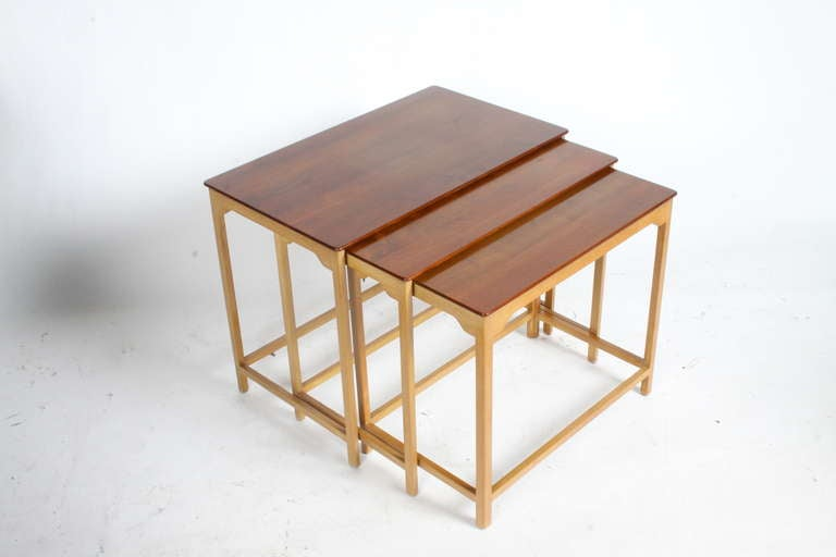Edward Wormley for Dunbar Nesting Tables In Excellent Condition For Sale In St. Louis, MO