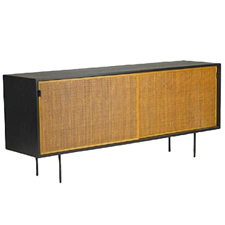 florence knoll sideboard for sale at 1stdibs. Black Bedroom Furniture Sets. Home Design Ideas