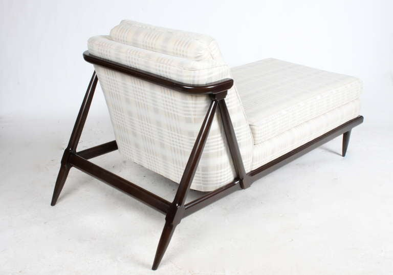 1950s Mid-Century Modern, elegant chaise lounge designed by John Lubberts and Lambert Mulder for the Tomlinson Sophisticate Line. Refinished frame in dark espresso, older upholstery, foam is fine.