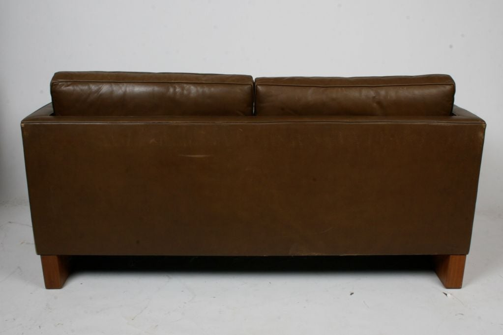 Mies Sofa Sofa Designed By Mies Van Der Rohe For Knoll At