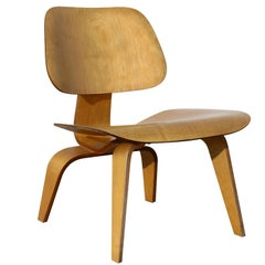 Early Production Eames LCW  chair