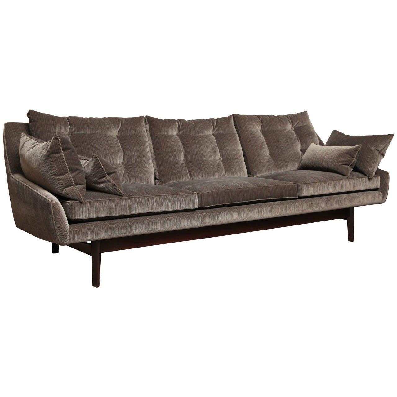Tufted swedish sofa at 1stdibs for Swedish sofa
