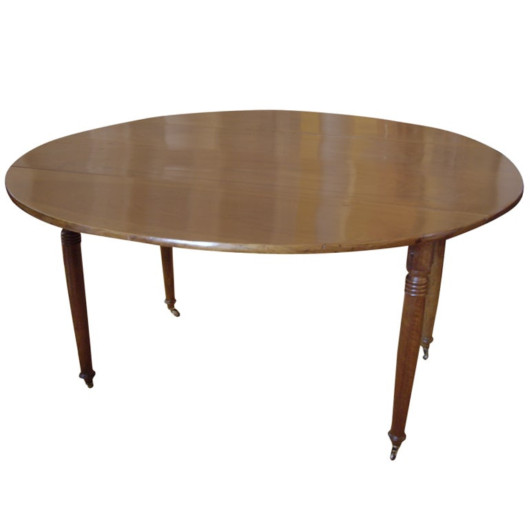 Round french walnut dining table at 1stdibs for French round dining table