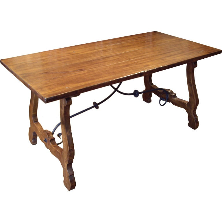 Spanish dining table at 1stdibs for Table in spanish