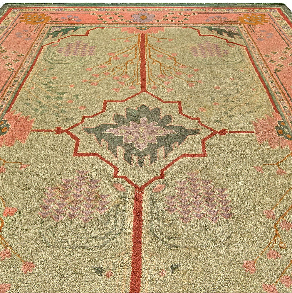 Vintage arts and craft rug at 1stdibs for Arts and crafts carpet