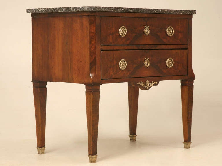petite empire walnut commode for sale at 1stdibs. Black Bedroom Furniture Sets. Home Design Ideas
