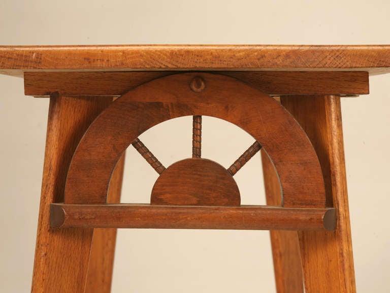 Vintage American Ranch Oak Side End Table W Wagon Wheel