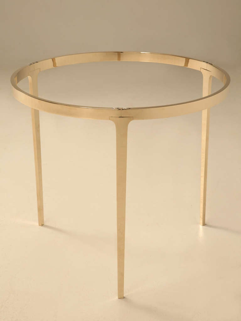 Round bronze table by old plank for sale at 1stdibs for Table 52 oak brook
