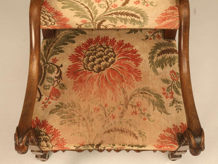 Magnificent Antique French Throne Chair w/Carved Ram Heads In Good Condition For Sale In Chicago, IL