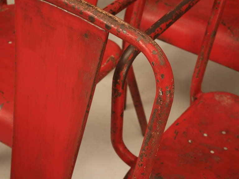 French 1950's Steel Garden Table and Six Chairs with Arms in Original Paint For Sale 2