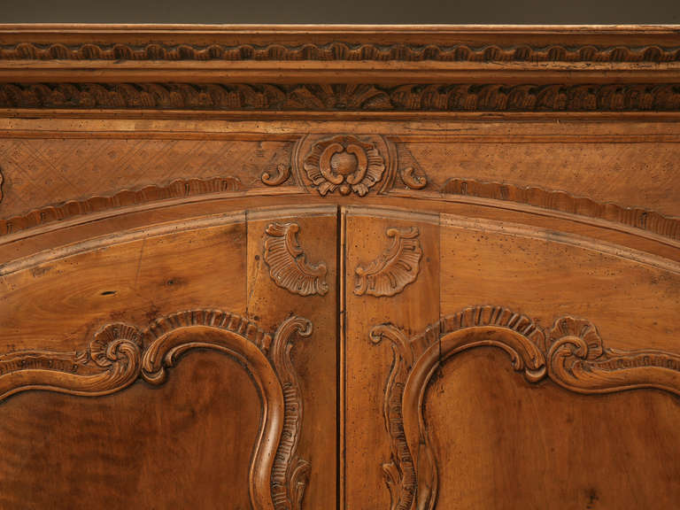 Louis XV French Walnut Cupboard or Cabinet, circa 1800 For Sale