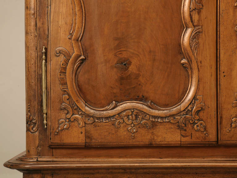 Late 18th Century French Walnut Cupboard or Cabinet, circa 1800 For Sale