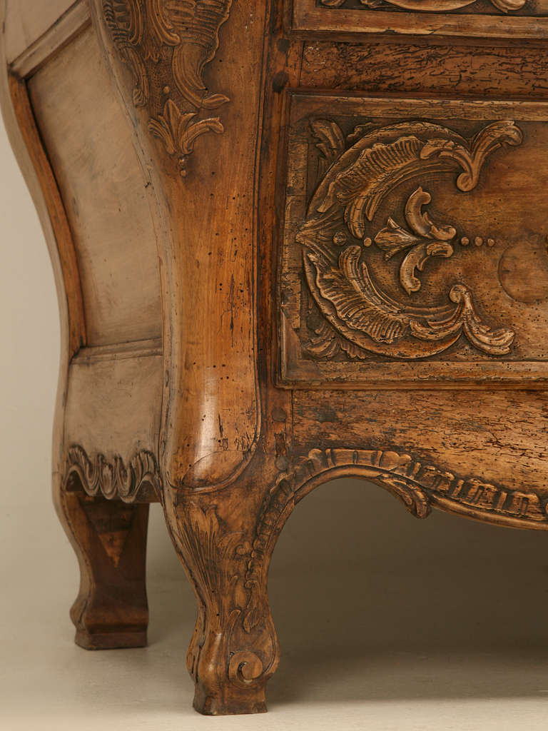 French Walnut Cupboard or Cabinet, circa 1800 For Sale 3